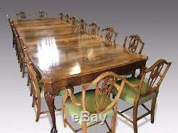 1831-1901 Fantastic rare 14ft Burr Walnut dining table pro French polished