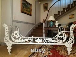 Fabulous Antique French 19th Century Day Bed