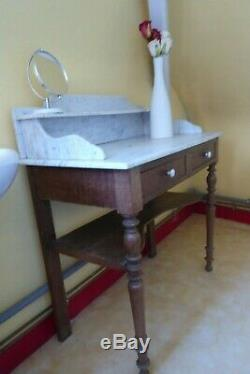 French marble-topped wash stand