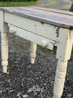 Rustic Antique / Vintage Small French Country Table Chippy Paint £100