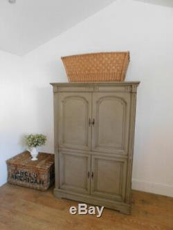 Vintage French linen cupboard/ storage cupboard